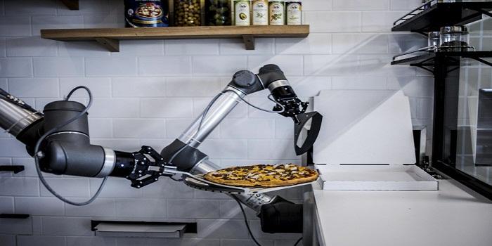 De la pizza préparée par un robot : est-ce savoureux ?